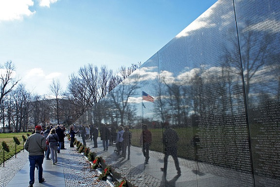 Vietnam Veterans Memorial Wall National Mall Washington, D.C. Mario Roverto Durán Ortiz. December 26, 2011