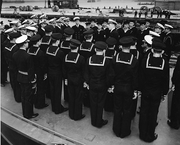 Commissioning of Squadron Ron 9 Officers and Crew (Nov 1942)