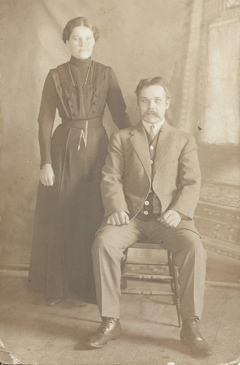 Carolina and Nestor Simolin  Finland  circa 1915
