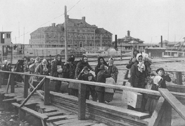 Immigrants arriving at Ellis Island  1902